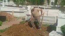 Vatan Şaşmaz'ın defnedileceği mezarlıkta hazırlıklar başladı