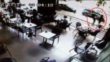 İstanbul'un göbeğinde kadına tekme tokat dayak kamerada