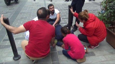 Taksim'de Suriyeli baba, tinerciler tarafından kızının gözleri önünde bıçaklandı