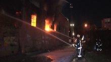 Arnavutköy'de bir fabrikada yangın çıktı!