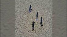 Plajdaki gölgelerin oyunu