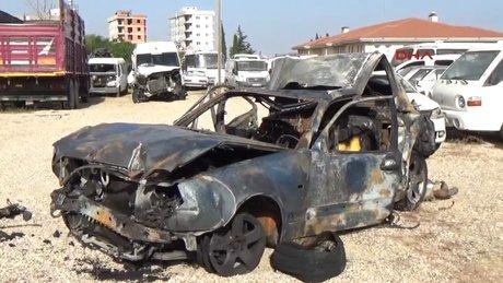 Polisin durdurduğu otomobile minibüs çarptı: 2 ölü