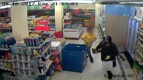 Kartal'da marketlere dadanan soyguncu güvenlik kamerasında