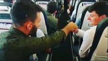 Uçakta pilota bilet parası uzatan Karadenizliler fenomen oldu