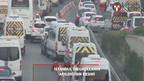 İstanbul'da bir sonbahar klasiği: Okul açılış trafiği