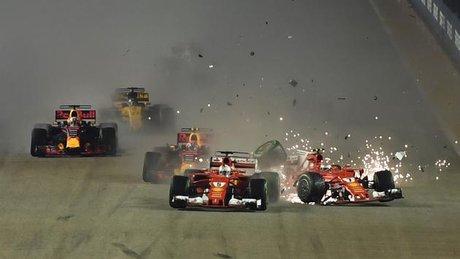 Formula 1 Singapur GP'sinde feci kaza