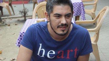 """Heart"" tişörtü giydi, emniyeti alarma geçirdi"