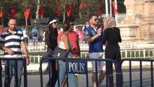 Taksim Meydanı'nda kadın turistler arasındaki kavga kamerada