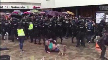 İspanya polisinden Katalanlara sert müdahale