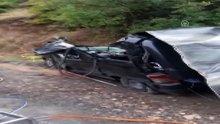Otomobilin üzerine kaya düştü: 3 ölü, 1 yaralı