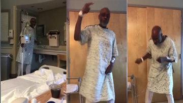 Hastanede tedavi olan yaşlı adam sevdiği müziği duyunca