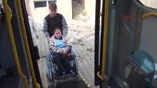 Liseli engelli Tuana'ya özel halk otobüsü