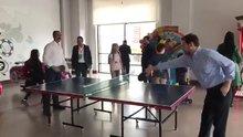 Bakan Gül ve Bakan Albayrak masa tenisi oynadı