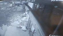 Yeni doğan bebeği poşetle çöpe attılar