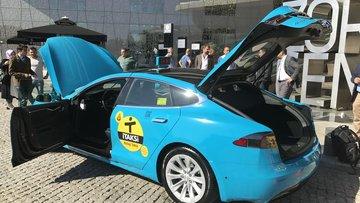 Yüzde 100 elektrikli turkuaz taksi istanbul yollarında