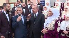 Cumhurbaşkanı Erdoğan, Novi Pazar'da ilahi grubuna eşlik etti