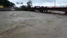 Artvin'de şiddetli yağmur sele yol açtı