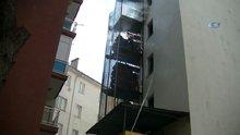Yangın merdiveninde yangın çıktı