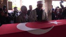 Şehit polisin cenaze namazını imam babası kıldırdı
