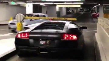 Lamborghini'niz varsa otopark parası ödemek zorunda kalmazsınız