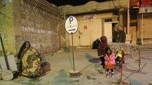 Süleymaniye'deki deprem kafenin güvenlik kamerasına yansıdı