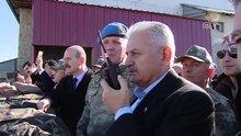 Başbakan Yıldırım, askeri üs bölgesinde incelemelerde bulundu