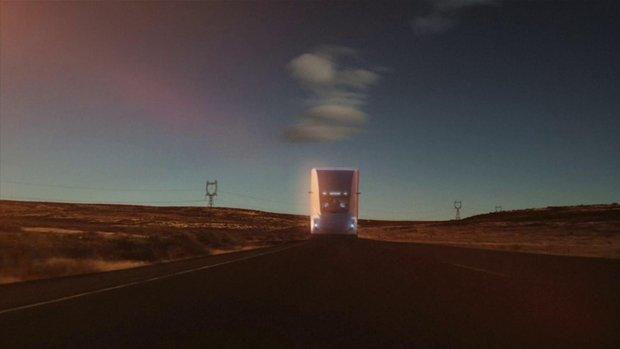 Tesla'dan yeni elektrikli kamyon