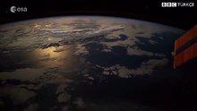 Dünyaya düşen meteor uydudan görüntülendi