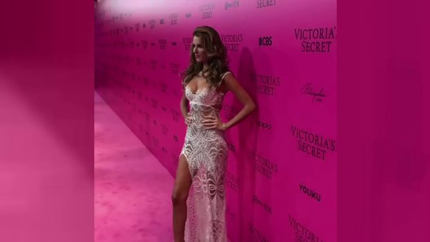 Tülin Şahin, Victoria Secret davetinde!
