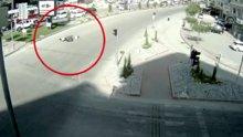 Akıl almaz trafik kazaları MOBESE'de