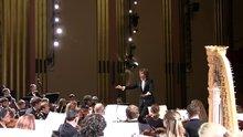 Klasik müzik konserinde korkan kadın çığlık attı