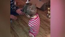 Kolsuz ve bacaksız doğan çocuğun ilk adımları