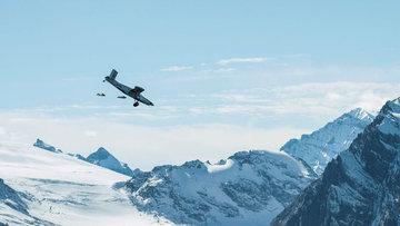 Dağdan atlayıp uçağa bindiler
