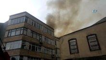 Beyoğlu Kasımpaşa'da bir binanın çatısında yangın çıktı