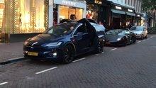 Tesla sürücüsü yaptığı şov ile dikkatleri üzerine topladı
