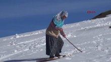 Rize Meşeköy'e kar yağdı, tahtasını alan doğal pistlere koştu