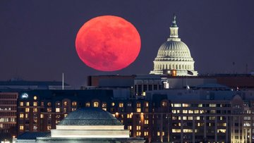 Süper Ay dünyanın farklı yerlerinden nasıl göründü?