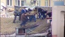 Mihail Saakaşvili çatıdan böyle indirildi