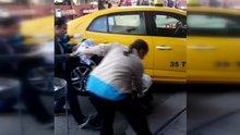 İki kadın taksi içinde doğum yaptı