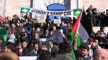 Fatih Camii'nde cuma namazının ardından protesto gösterisi