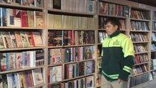 Çöpe atılan kitapların kütüphaneye yolculuğu