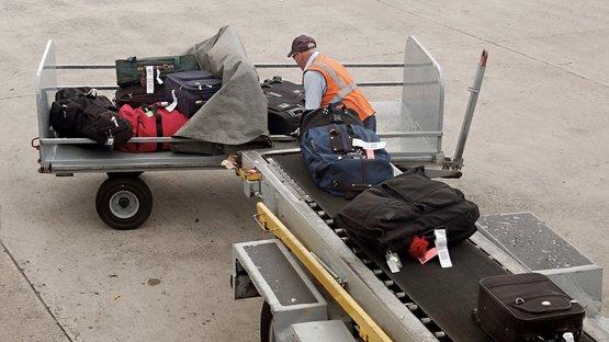 Valizler uçağa nasıl gidiyor?