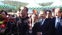 Haluk Levent ve Bakan Eroğlu'dan şarkılı fidan dikimi