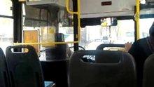 Otobüs şoförü karnı acıkınca yolcuları bırakıp yemek almaya gitti