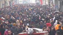 Taksim'de 'Kış güneşi' izdihamı