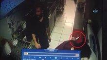 Restoran görevlisinin hayatını kurtaran refleksi kamerada