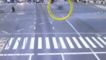 Çin'de akıl almaz kaza