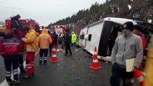 Ankara-İstanbul otobanında otobüs devrildi: 2 ölü, 20 yaralı