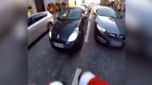 Paris sokaklarında heyecanlı kovalayış