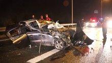 Kamyon, otoyolda ters şeritte giden otomobile çarptı: 1 yaralı